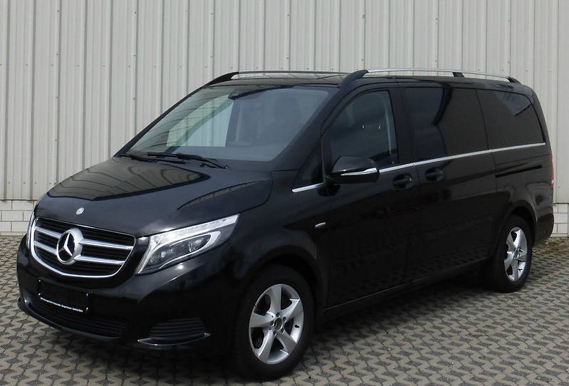Rent a V-Class minibus with a driver in Kiev