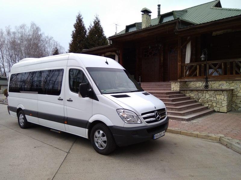 Оренда мікроавтобус Mercedes-Benz Sprinter білий з водієм в Києві